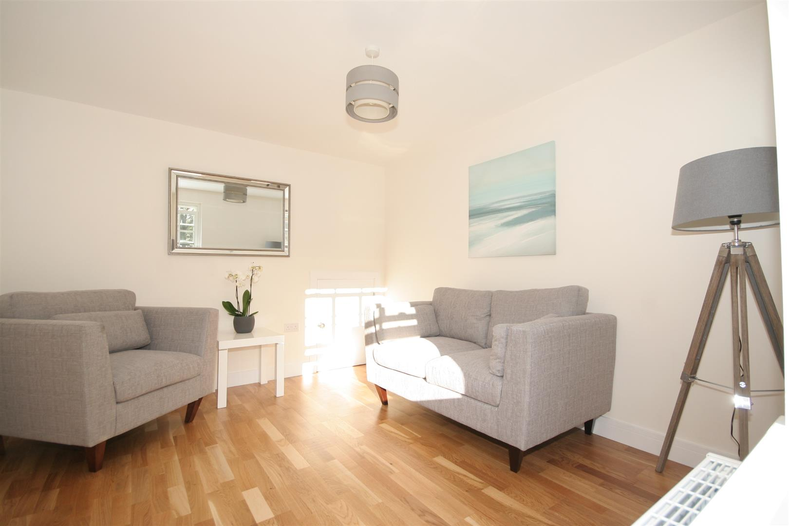 3 Bedrooms Semi Detached House for sale in Ham Road, Shoreham-By-Sea